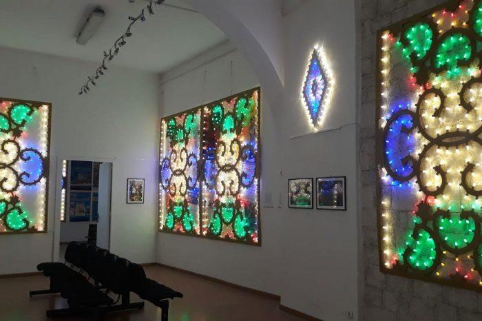 gallery-light